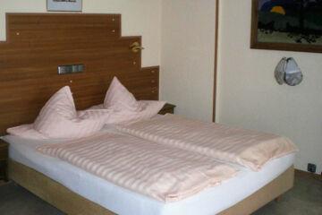 HOTEL WEINGUT DUCHMANN (GARNI) Hochheim